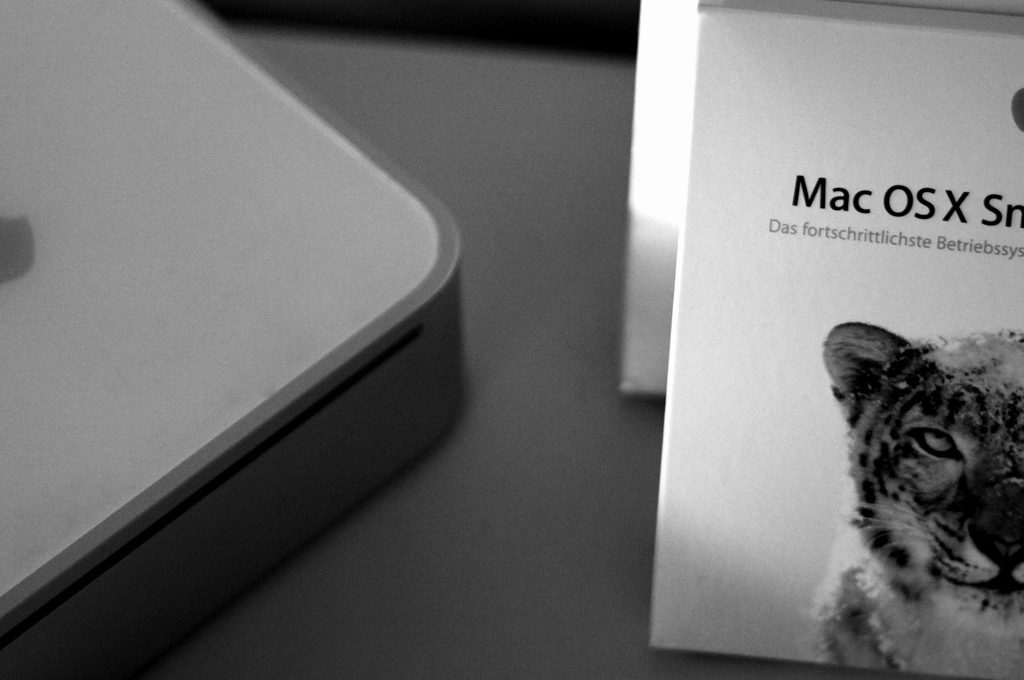 Mac OS X Snow Leopard Box und Mac mini