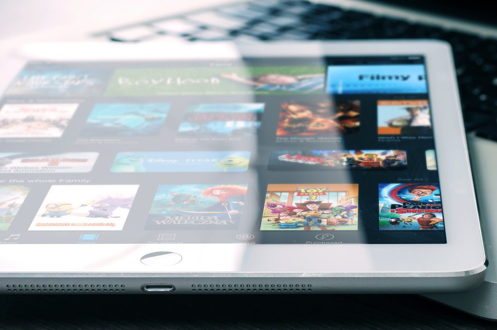 iPad mit geöffnetem iTunes Store