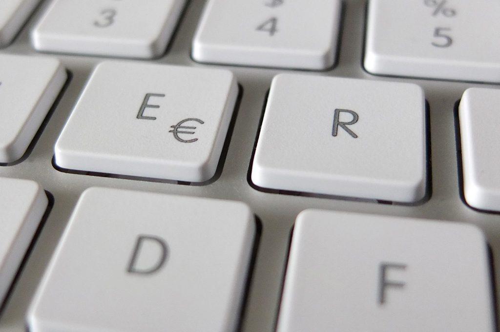 Nahaufnahme einer Mac Tastatur