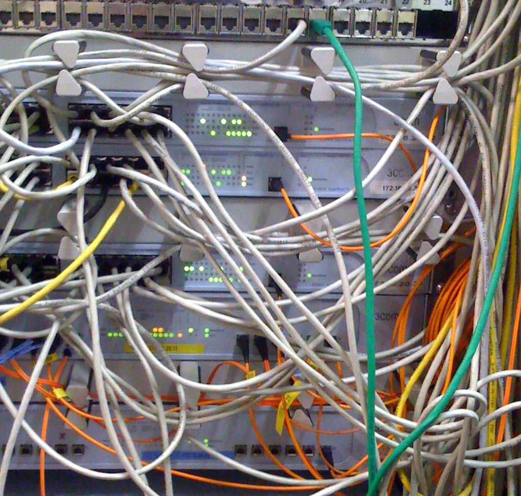 Kabelmanagement im Serverschrank