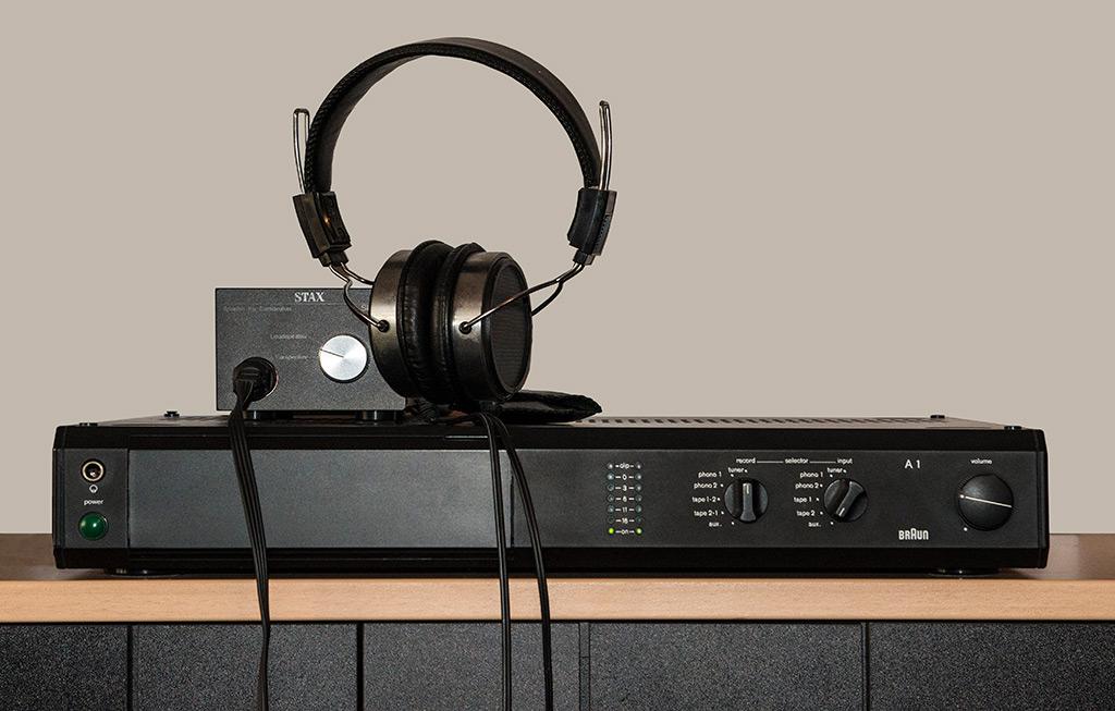 Stax Kopfhörer mit Braun Verstärker